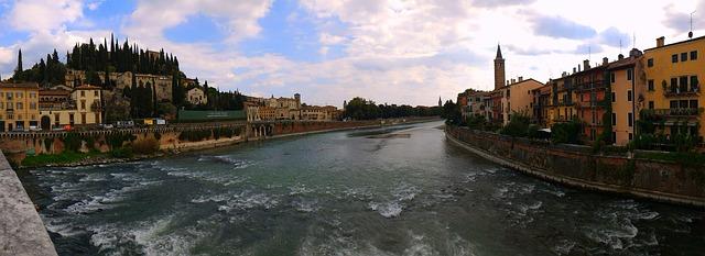 ヴェローナの市街の画像4