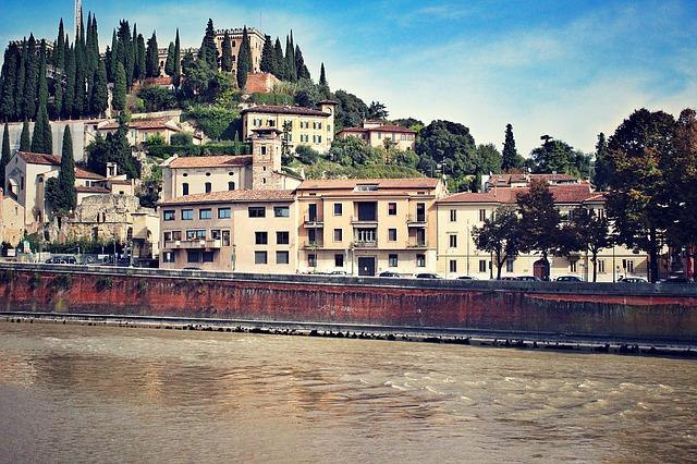 ヴェローナの市街の画像13