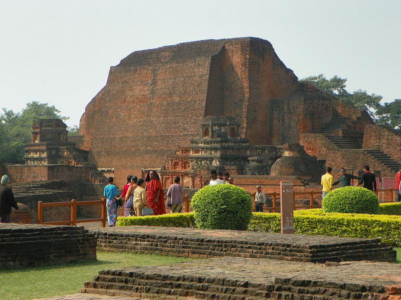 ビハール州ナーランダ・マハーヴィハーラの遺跡の画像1