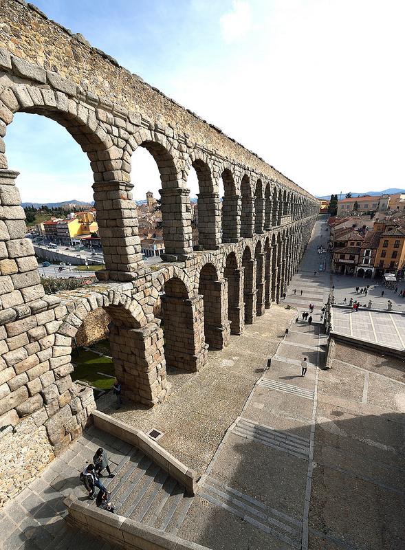 セゴビア旧市街とローマ水道橋の画像2