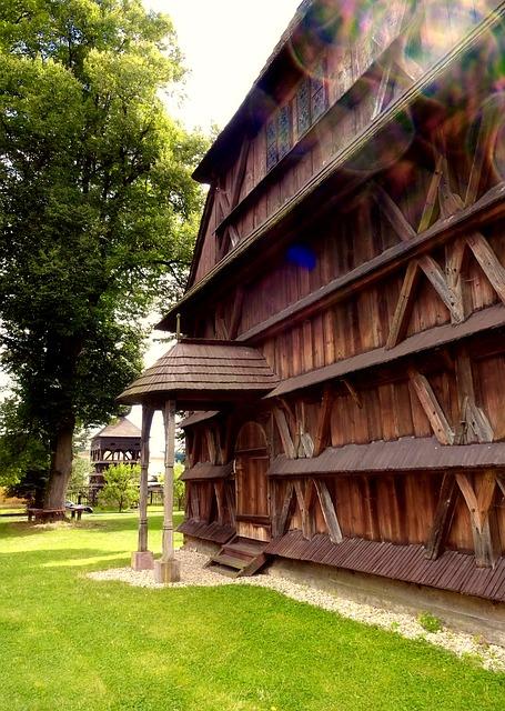 カルパチア山地のスロバキア地域の木造教会群の画像20