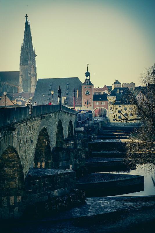 レーゲンスブルクの旧市街とシュタットアムホーフの画像2