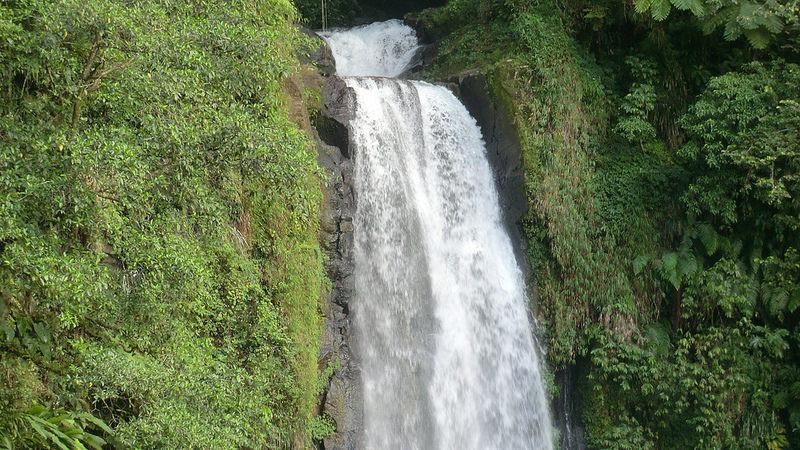 モルヌ・トロワ・ピトン国立公園の画像1
