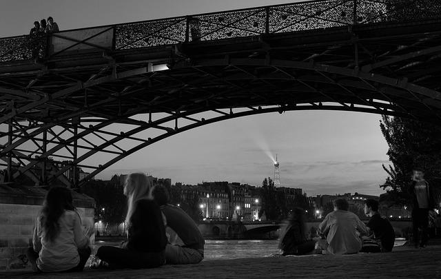 パリのセーヌ河岸の画像5
