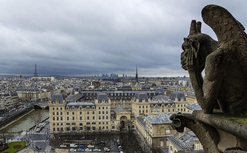パリのセーヌ河岸の画像7