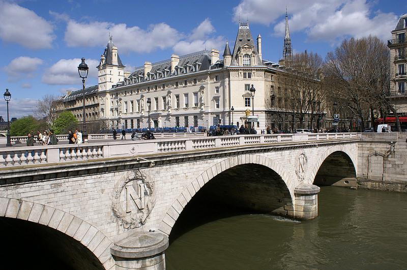 パリのセーヌ河岸の画像11