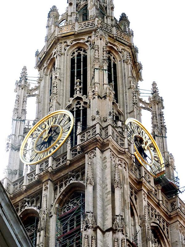 ベルギーとフランスの鐘楼群の画像2