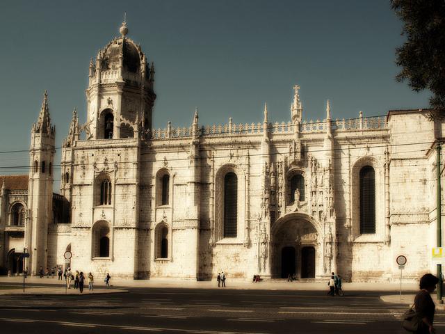 リスボンのジェロニモス修道院とベレンの塔の画像3